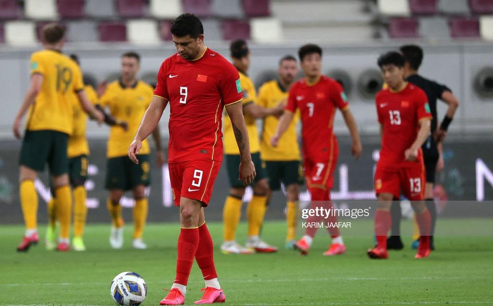 """Cầu thủ Trung Quốc mệt mỏi, thốt lên: """"Chúng tôi suy sụp cả thể chất lẫn tinh thần"""""""