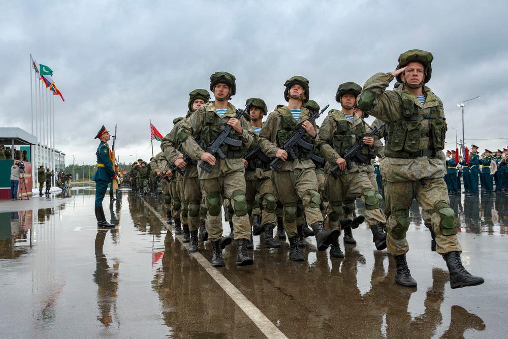 Ngoại trưởng Ukraine ngửa mặt than trời: Nga bao vây, phương Tây bội ước - Rất cay đắng! - Ảnh 2.