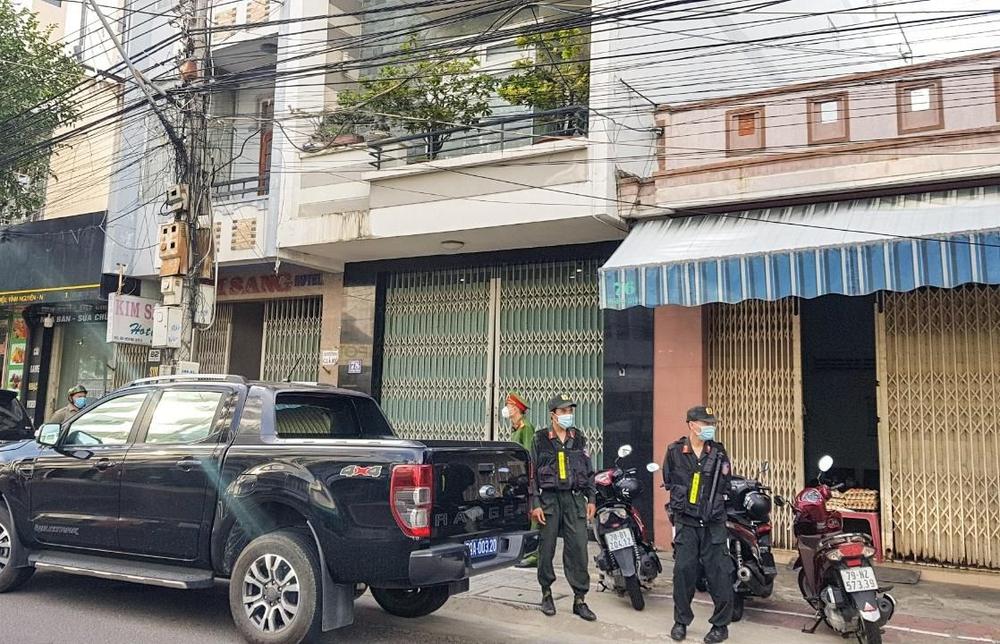 Khởi tố, bắt tạm giam nguyên Giám đốc Sở Xây dựng tỉnh Khánh Hoà - Ảnh 1.