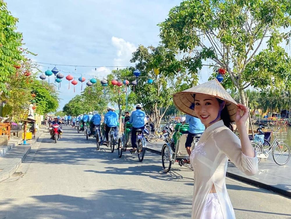 Nhan sắc gợi cảm của mỹ nữ gốc Việt đăng quang tại Hoa hậu Hong Kong 2021 - Ảnh 10.