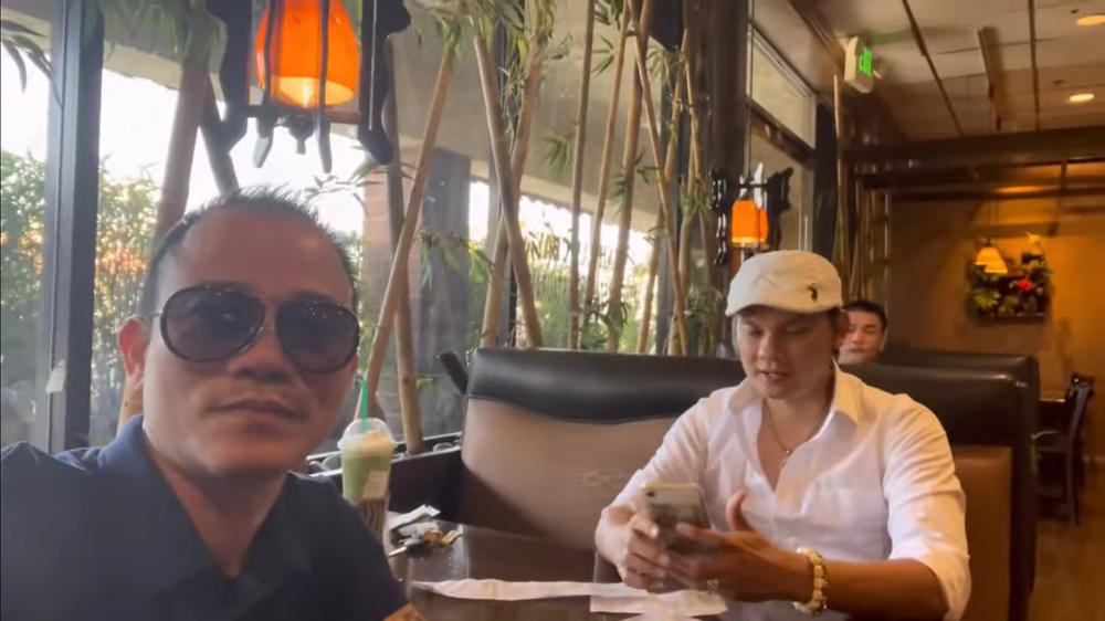 Kim Tiểu Long tiết lộ cách kiếm sống tại Mỹ: Tiền từ trên trời rớt xuống ngu gì không lấy - Ảnh 1.
