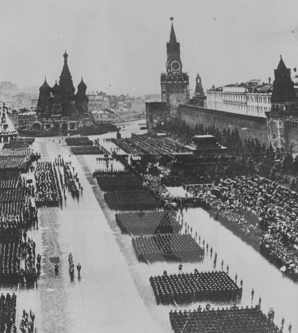 Thiên tài quân sự Stalin đã lừa cả tình báo Đức lẫn Liên Xô như thế nào? - Ảnh 1.