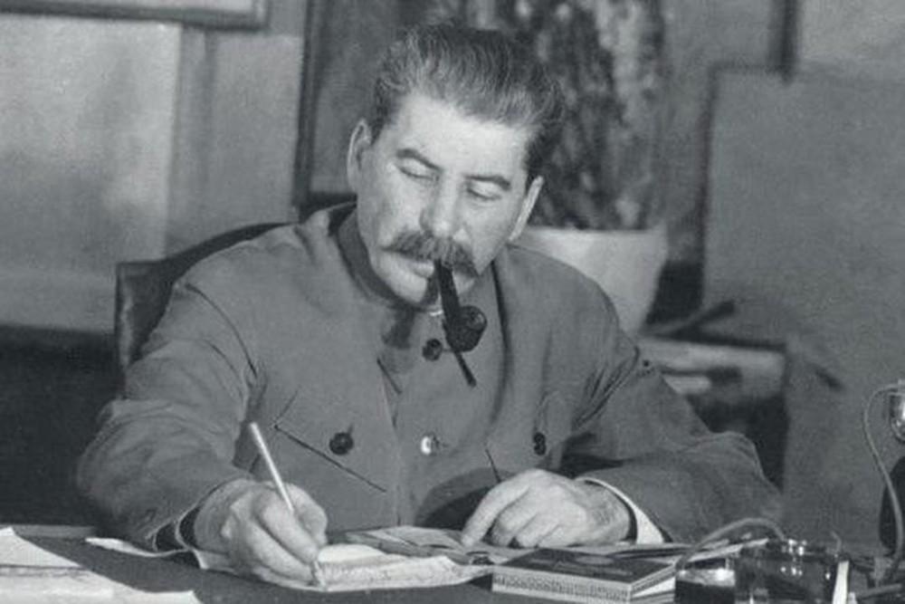 Thiên tài quân sự Stalin đã lừa cả tình báo Đức lẫn Liên Xô như thế nào? - Ảnh 2.
