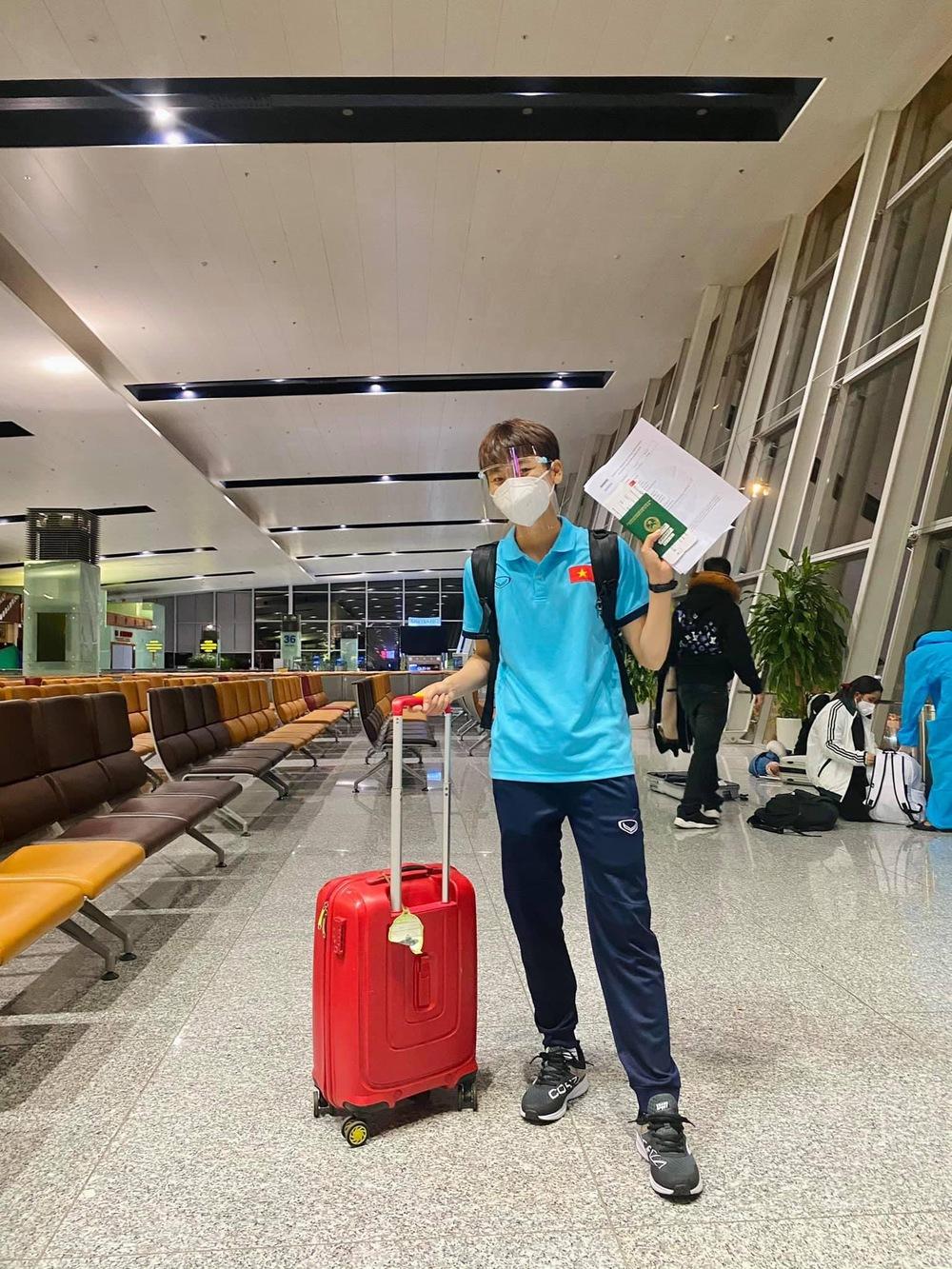 Tuyển nữ Việt Nam hào hứng khi đặt chân đến Dubai - Ảnh 6.