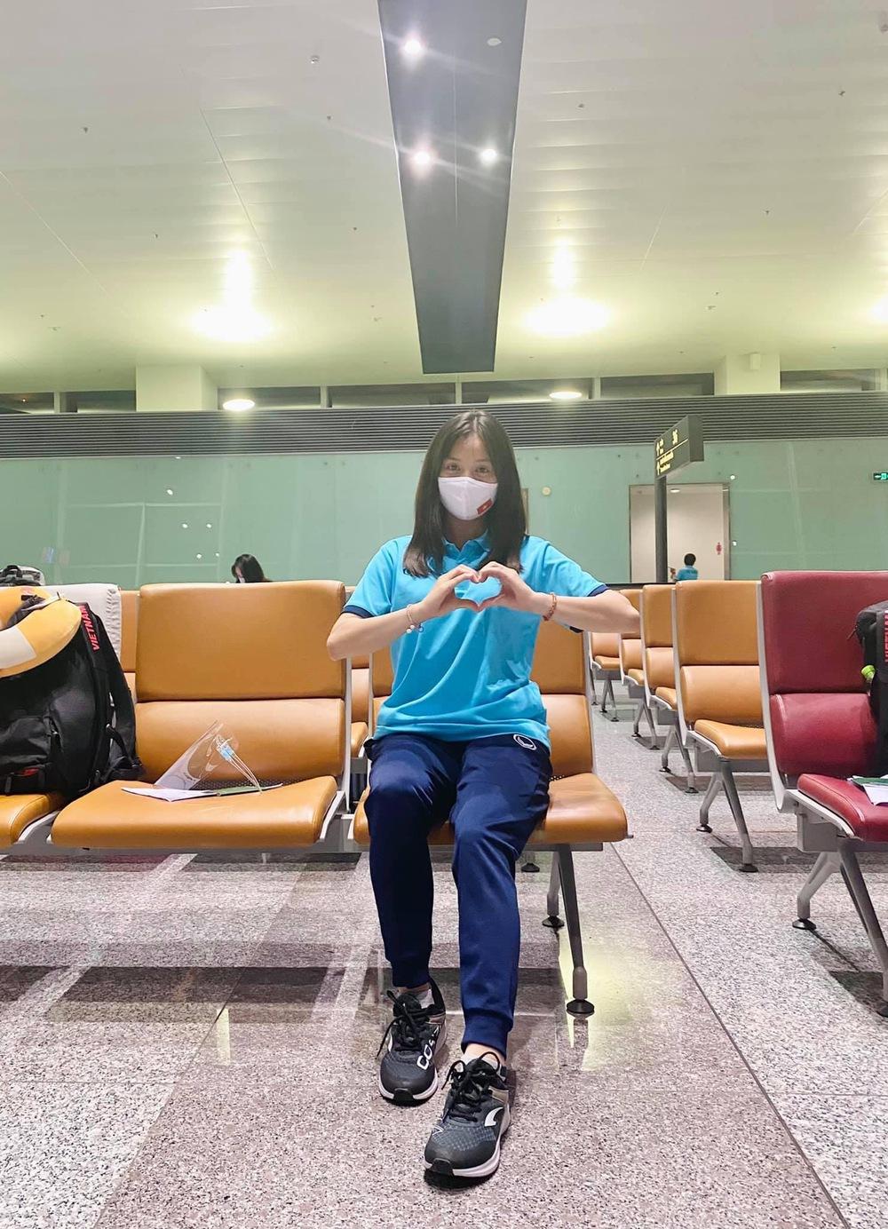 Tuyển nữ Việt Nam hào hứng khi đặt chân đến Dubai - Ảnh 7.