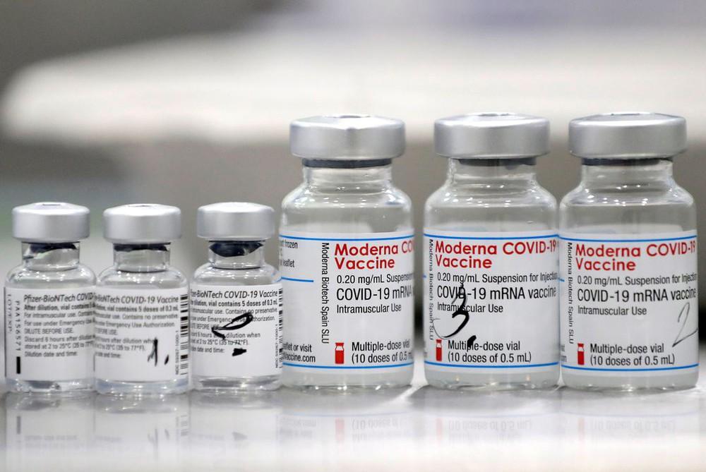 4 yếu tố quyết định người đã tiêm vaccine có thể nhiễm COVID-19 hay không - Ảnh 2.