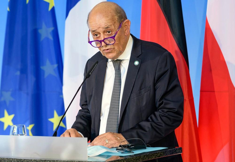 Uất ức vì cú đâm sau lưng, Pháp rút luôn Đại sứ khỏi Mỹ và Úc: Đặc biệt nghiêm trọng - Trump bị réo tên! - Ảnh 1.