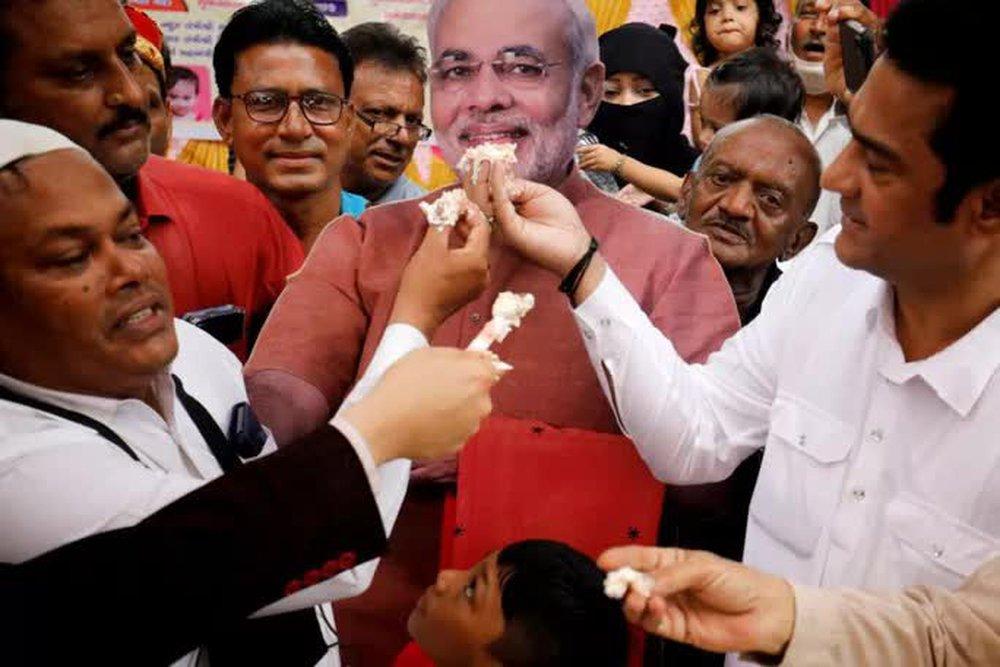 Món quà sinh nhật ấn tượng dành cho thủ tướng Ấn Độ - Ảnh 1.