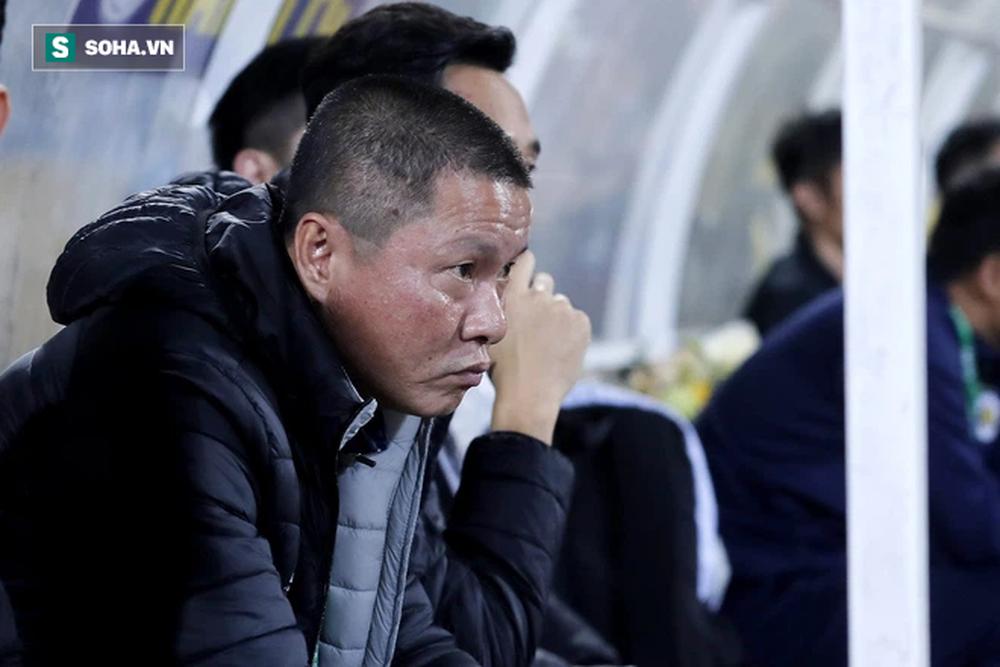 Sau cú chơi lớn giá 65 tỷ đồng, CLB V.League chuẩn bị chiêu mộ tướng cũ của bầu Hiển? - Ảnh 1.