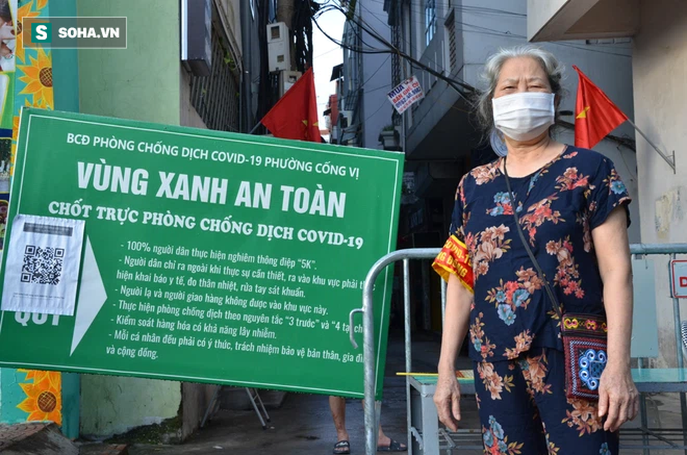 [ẢNH] Đội tình nguyện các bác U70 gác chốt bảo vệ vùng xanh ở Hà Nội  - Ảnh 5.