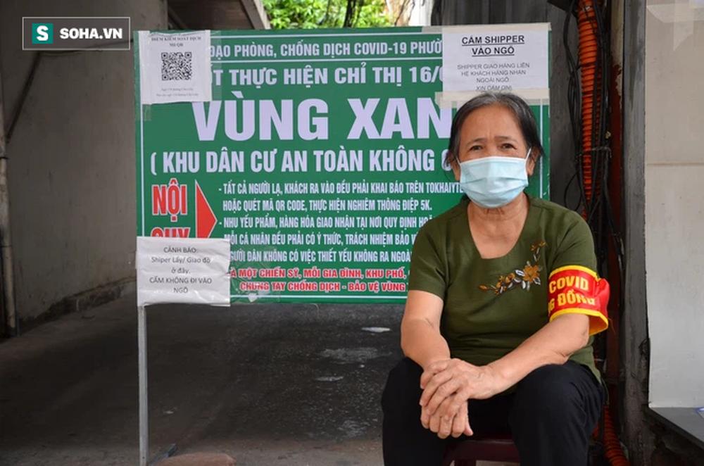 [ẢNH] Đội tình nguyện các bác U70 gác chốt bảo vệ vùng xanh ở Hà Nội  - Ảnh 6.