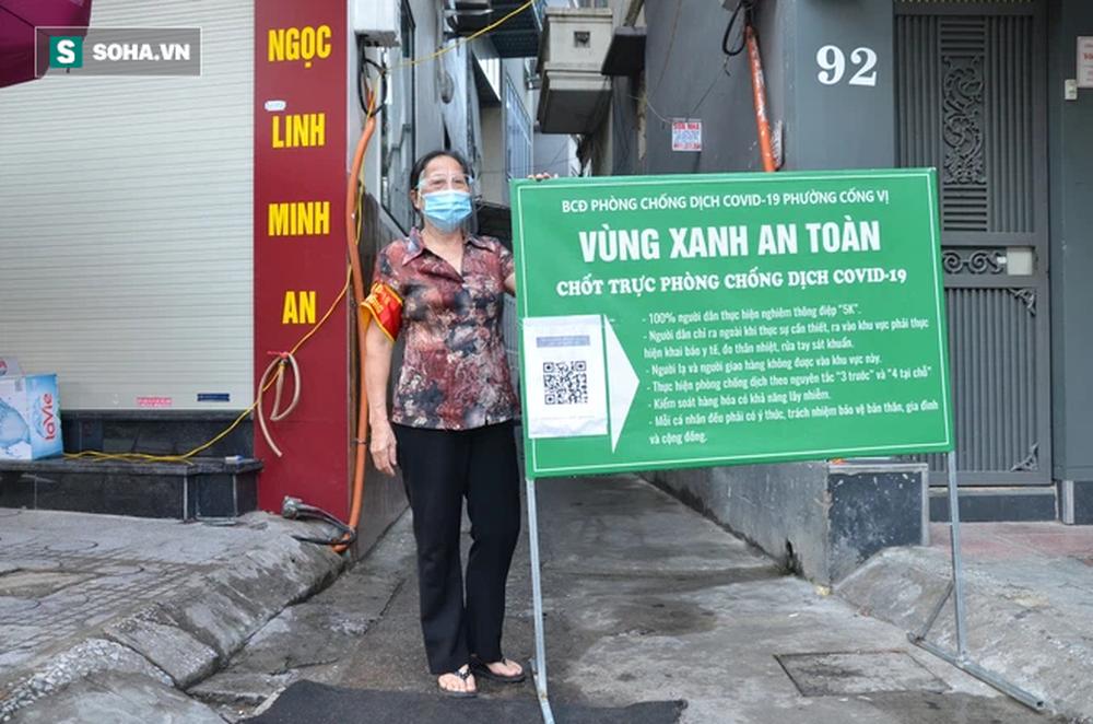 [ẢNH] Đội tình nguyện các bác U70 gác chốt bảo vệ vùng xanh ở Hà Nội  - Ảnh 10.