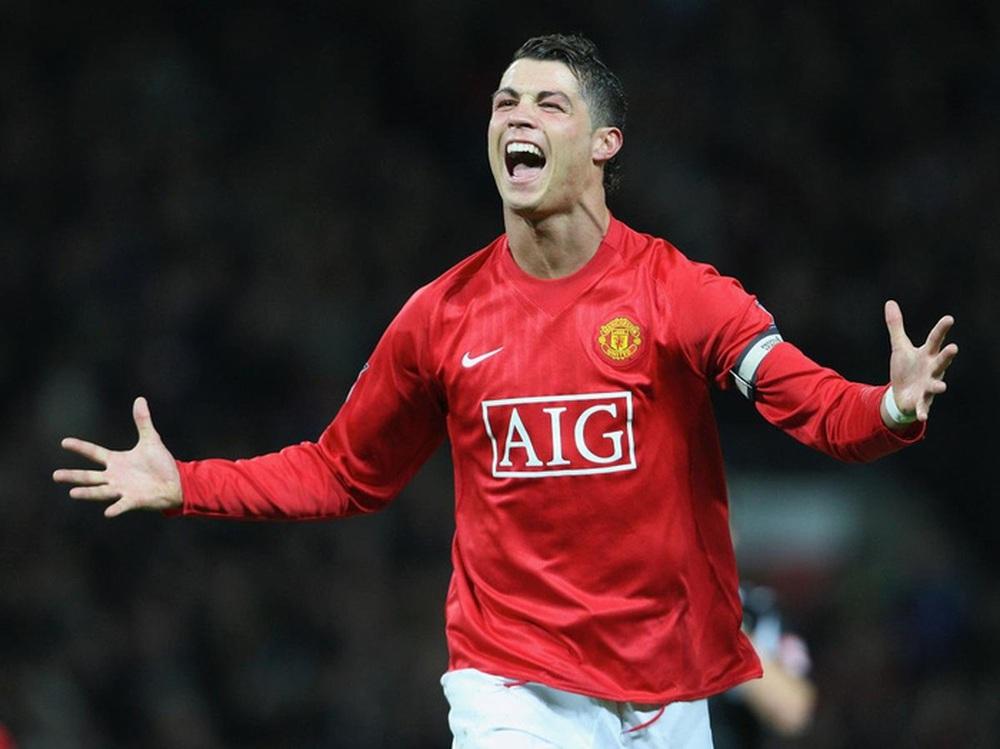 Cơn sốt Ronaldo khiến vé xem Man United có giá tới 78 triệu đồng - Ảnh 1.