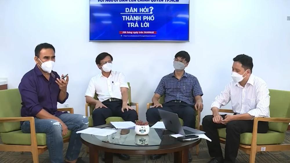 Một người dân nhắn tin, Quyền Linh đưa máy trực tiếp nói chuyện với Chủ tịch quận - Ảnh 1.