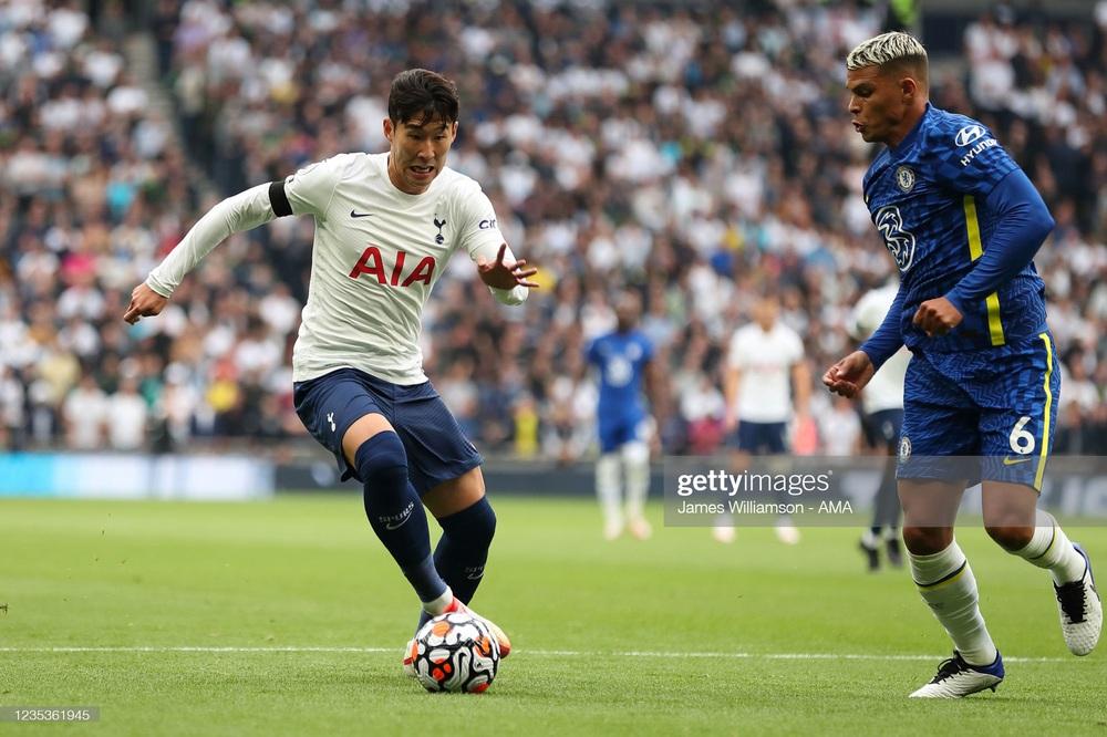 Ronaldo gọi Lukaku không trả lời, Chelsea vẫn hạ cường địch để lên đỉnh Premier League - Ảnh 1.
