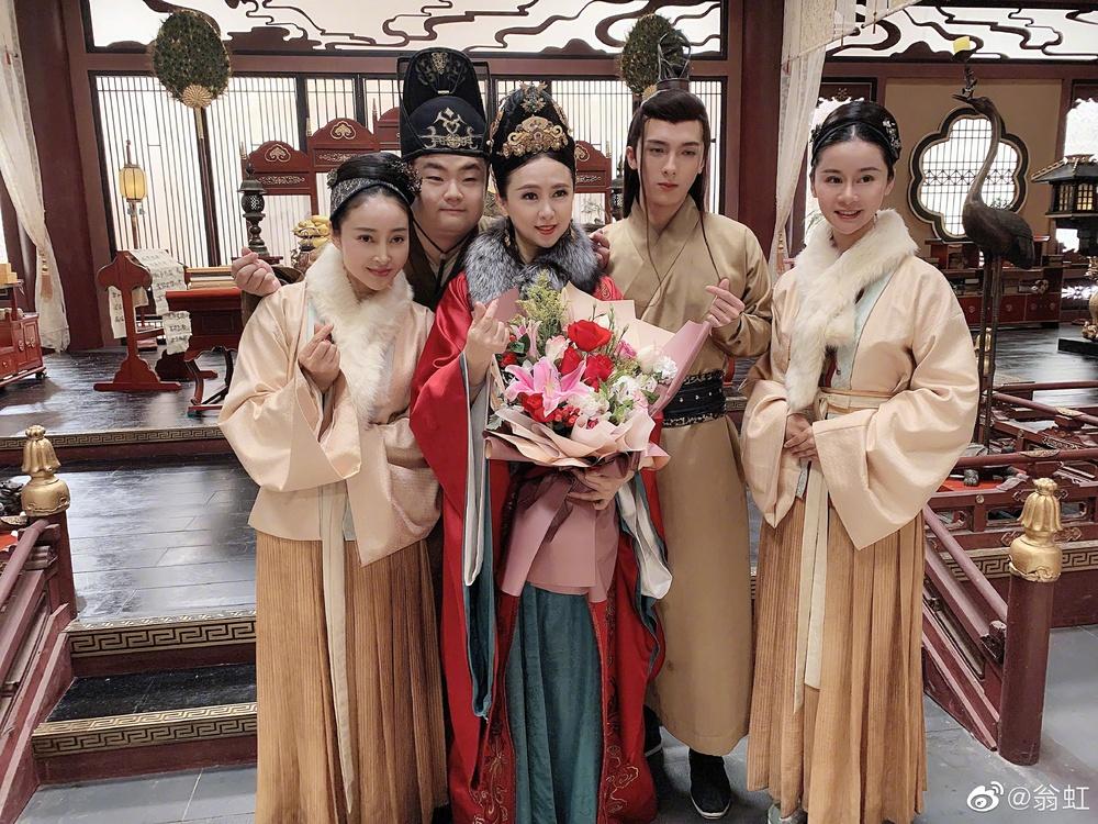 Nữ hoàng phim 18+: Bị Cổ Thiên Lạc si mê theo đuổi, gọi điện chửi mắng 20 phút vì không chịu yêu - Ảnh 9.