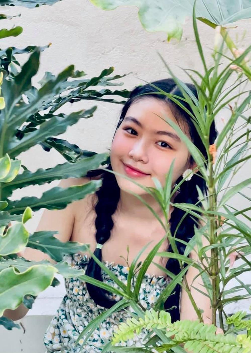 Ái nữ 16 tuổi nhà Quyền Linh tiếp tục gây chú ý với gương mặt thuần khiết, xinh đẹp - Ảnh 2.