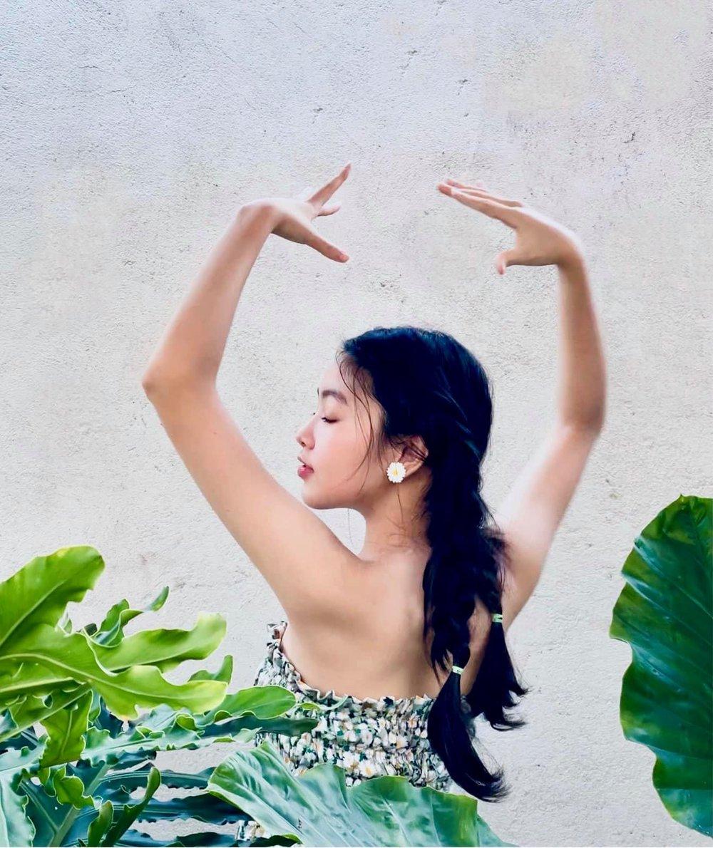 Ái nữ 16 tuổi nhà Quyền Linh tiếp tục gây chú ý với gương mặt thuần khiết, xinh đẹp - Ảnh 4.