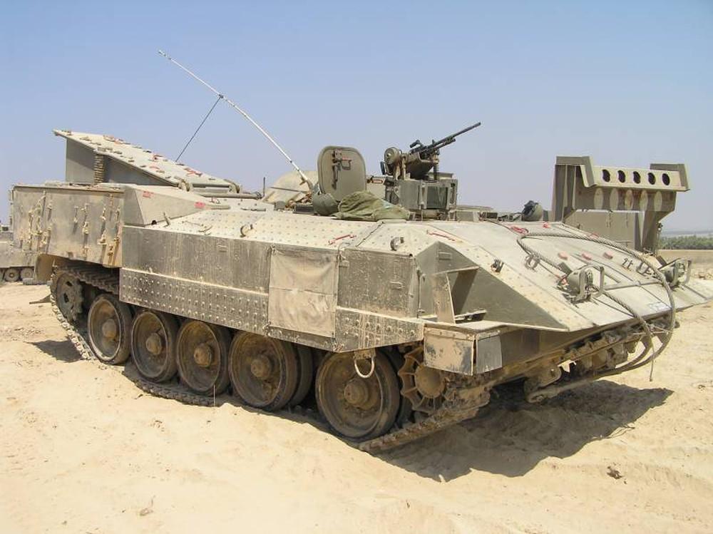 Giữa lúc tứ bề thọ địch, Israel khiến thế giới kinh ngạc: Những màn hô biến vũ khí tài tình - Ảnh 5.