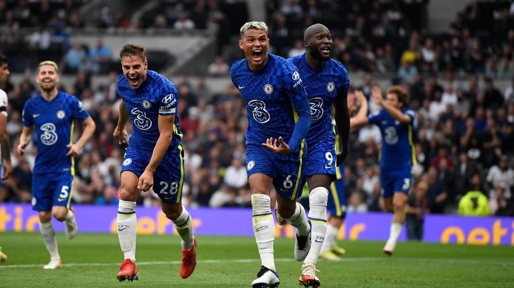 Ronaldo gọi Lukaku không trả lời, Chelsea vẫn hạ cường địch để lên đỉnh Premier League - Ảnh 2.