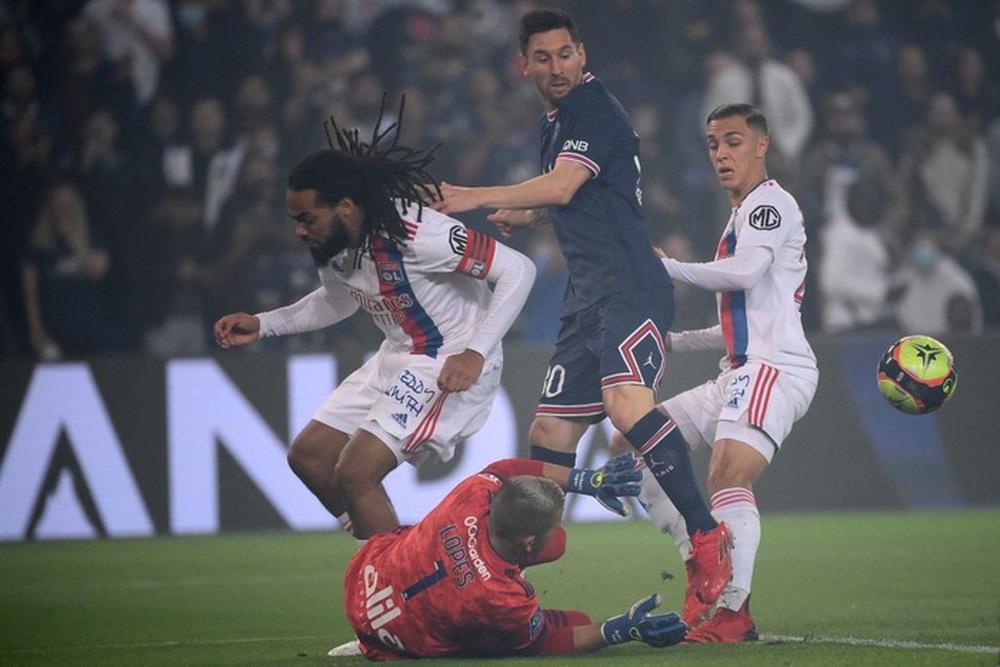 PSG có chiến thắng nghẹt thở vào phút 90+3 trong ngày Messi vẫn tịt ngòi - Ảnh 3.