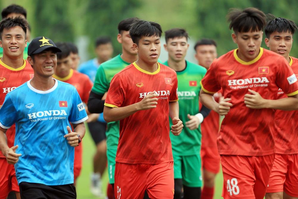 Đội tuyển U22 Việt Nam tập hồi phục chuẩn bị cho các bài test cuối cùng - Ảnh 9.