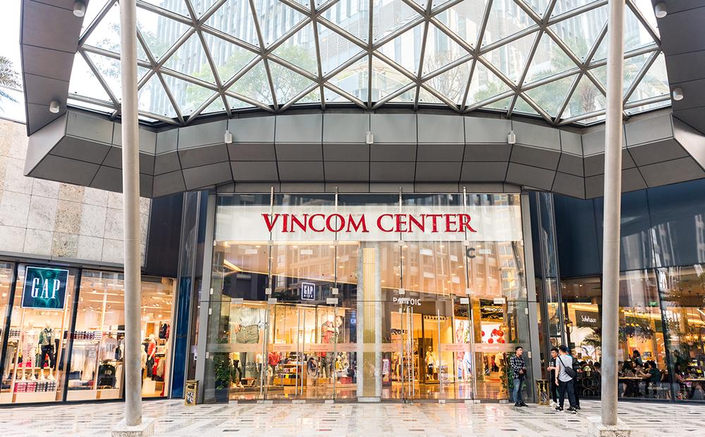 """Tâm lý """"Mua sắm trả thù"""" sẽ giúp hệ thống trung tâm mua sắm lớn nhất Việt Nam của tỷ phú Phạm Nhật Vượng hồi sinh?"""