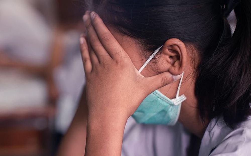 """Hơn 50% bệnh nhân Covid-19 bị rối loạn lo âu: Chuyên gia tâm lý đã phải thốt lên """"bất lực"""""""