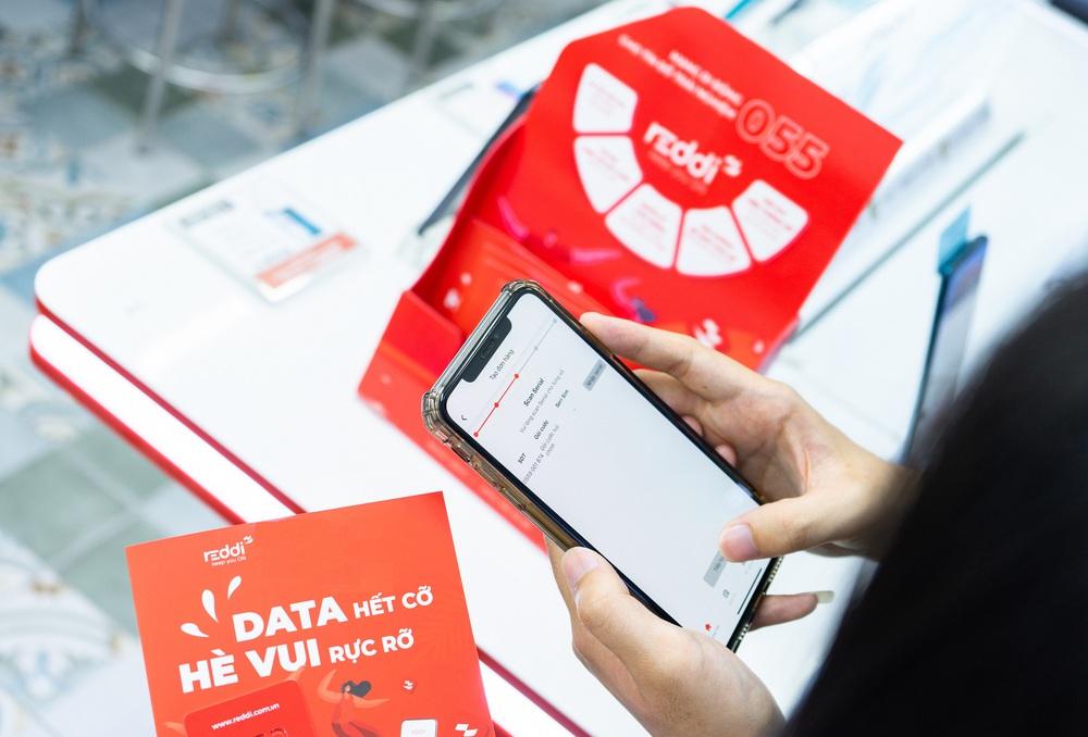 Tỷ phú Nguyễn Đăng Quang bất ngờ rót 300 tỷ vào mạng di động ảo - Ảnh 1.