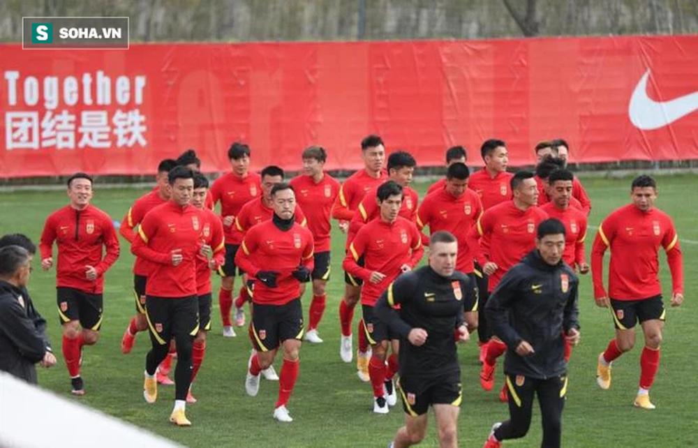 Trung Quốc ra thiết lệnh, chuẩn bị chưa từng có trước trận đối đầu đội tuyển Việt Nam - Ảnh 1.
