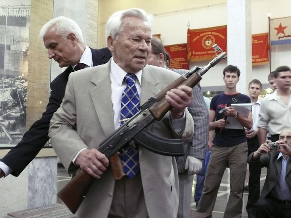 AK-47: Vũ khí tuyệt mật của Nga bị tình báo Mỹ CIA tóm sống theo cách không ai ngờ tới - Ảnh 1.