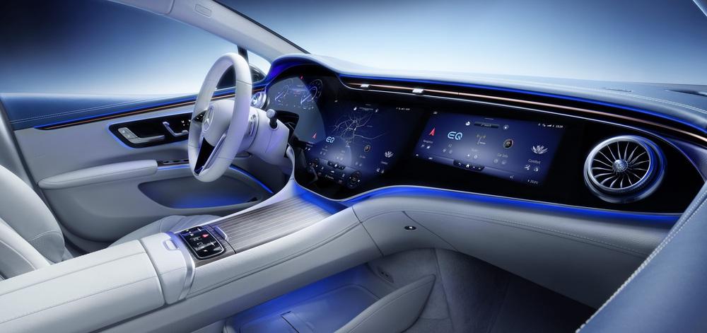 CEO hãng xe Ý gây 'sốc' với phát ngôn 'không bán iPad bọc trong vỏ ô tô', quyết 'cải lùi'! - Ảnh 1.