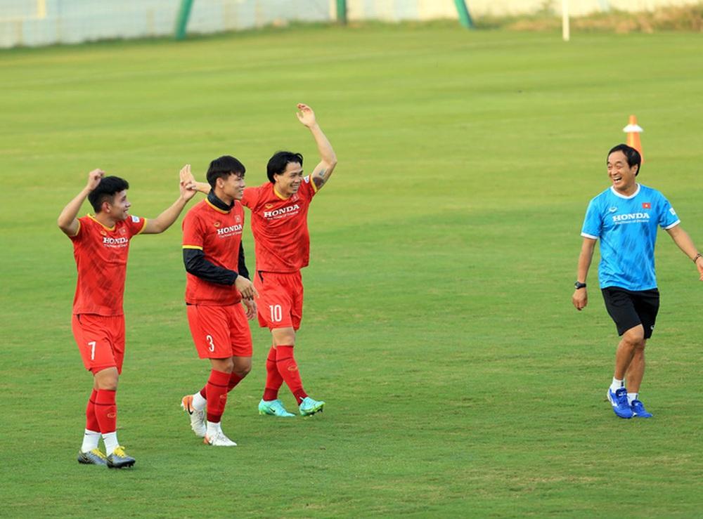 Thêm một cầu thủ U22 được bổ sung lên đội tuyển Việt Nam cho chiến dịch Vòng loại World Cup 2022 - Ảnh 1.
