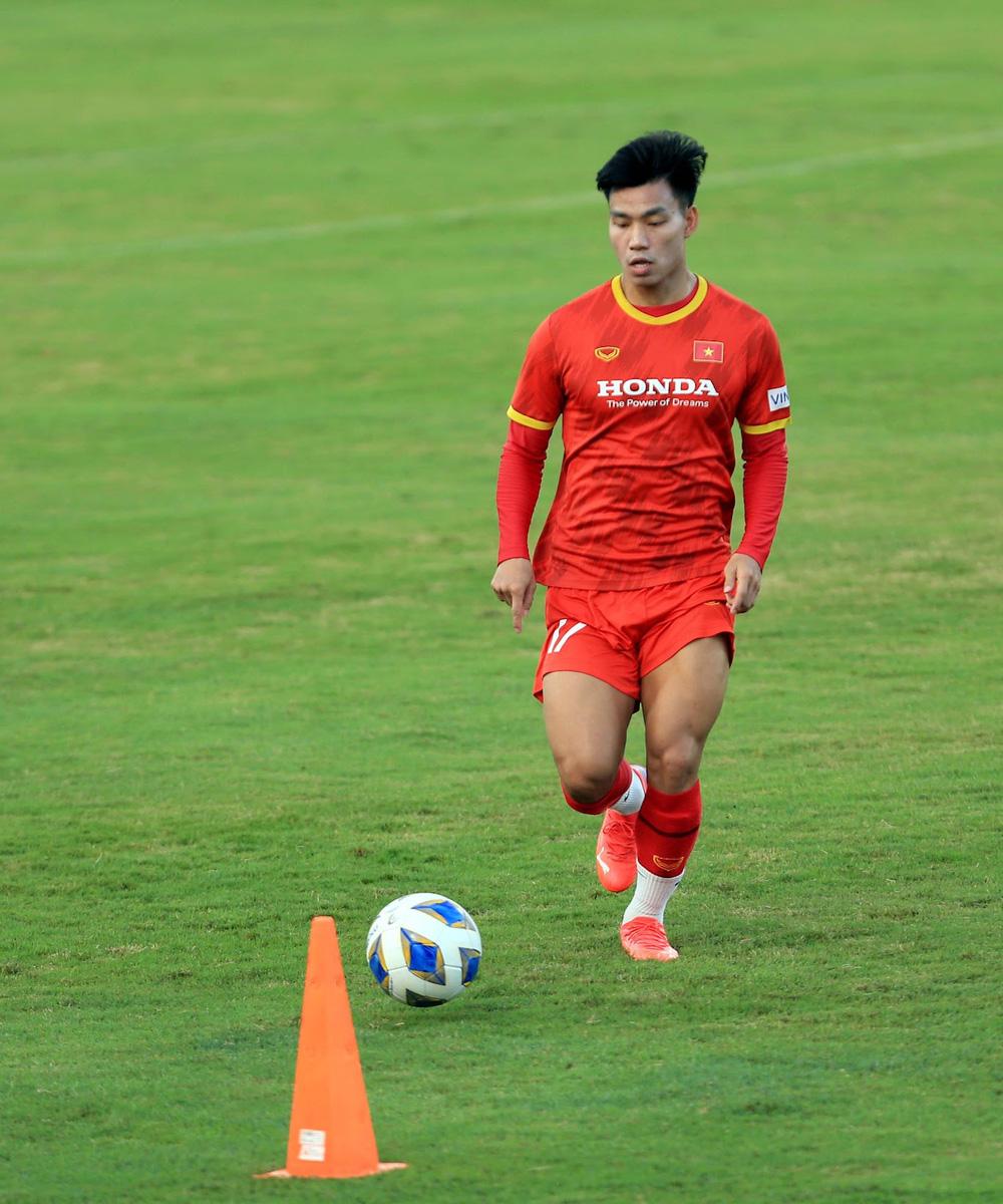 Thêm một cầu thủ U22 được bổ sung lên đội tuyển Việt Nam cho chiến dịch Vòng loại World Cup 2022 - Ảnh 12.