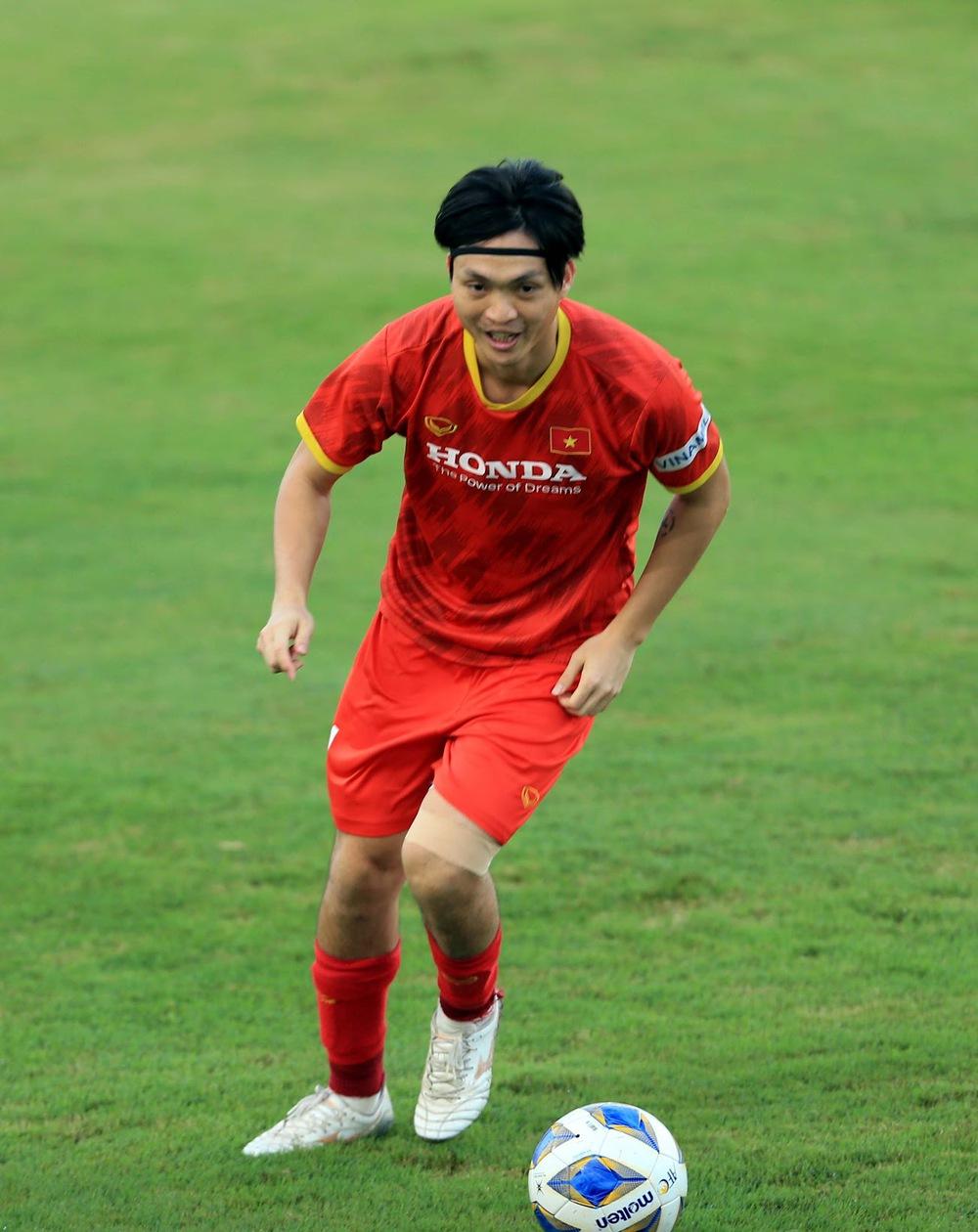Thêm một cầu thủ U22 được bổ sung lên đội tuyển Việt Nam cho chiến dịch Vòng loại World Cup 2022 - Ảnh 13.