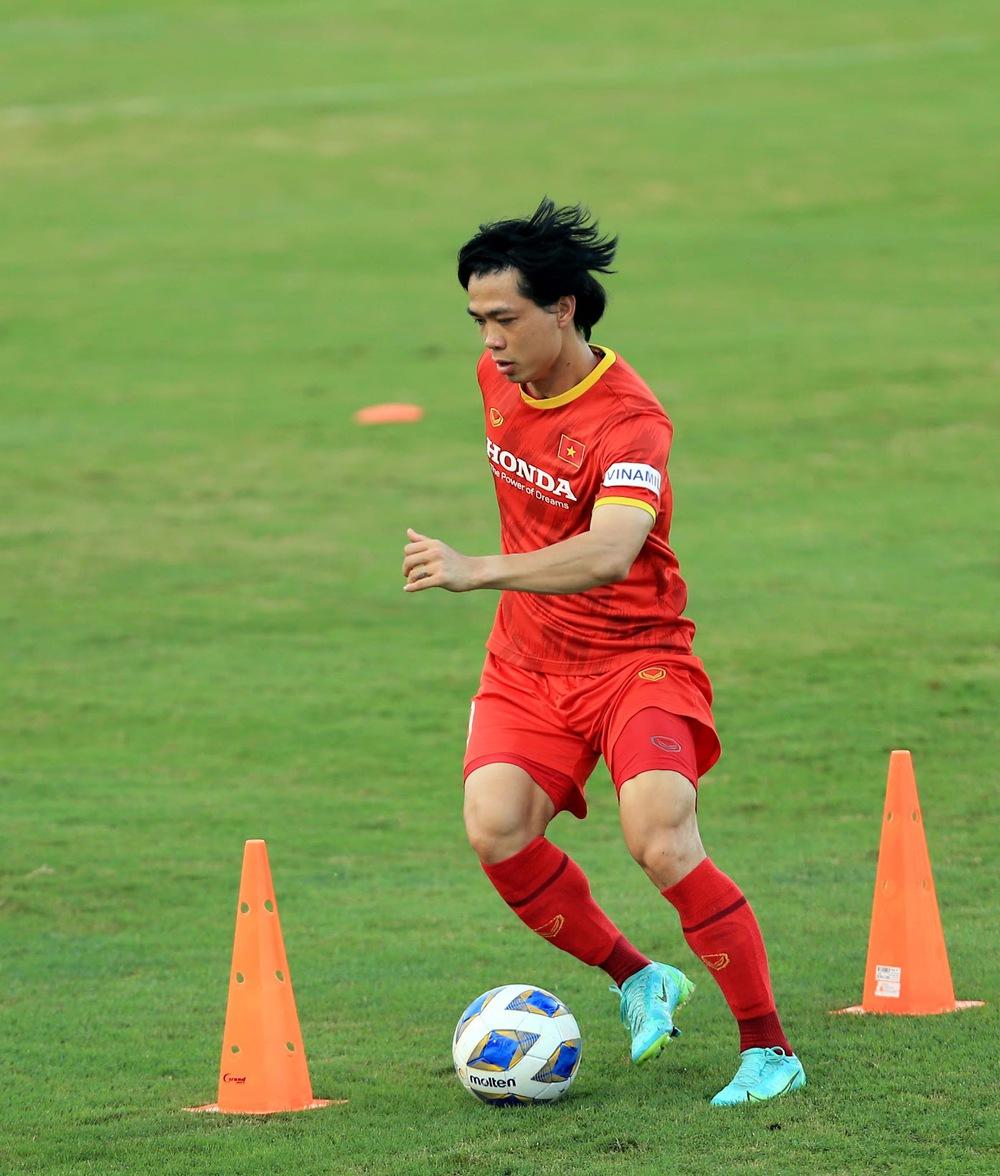 Thêm một cầu thủ U22 được bổ sung lên đội tuyển Việt Nam cho chiến dịch Vòng loại World Cup 2022 - Ảnh 14.