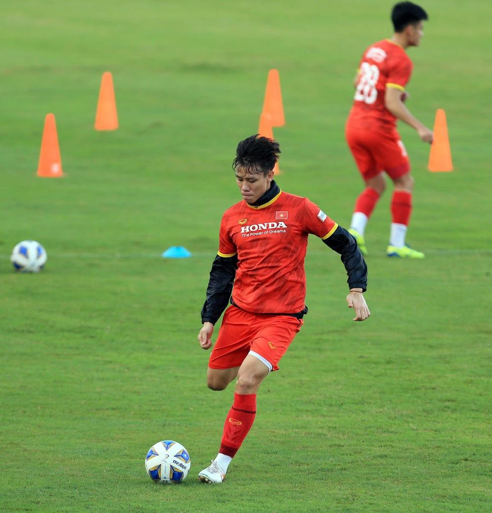 Thêm một cầu thủ U22 được bổ sung lên đội tuyển Việt Nam cho chiến dịch Vòng loại World Cup 2022 - Ảnh 15.