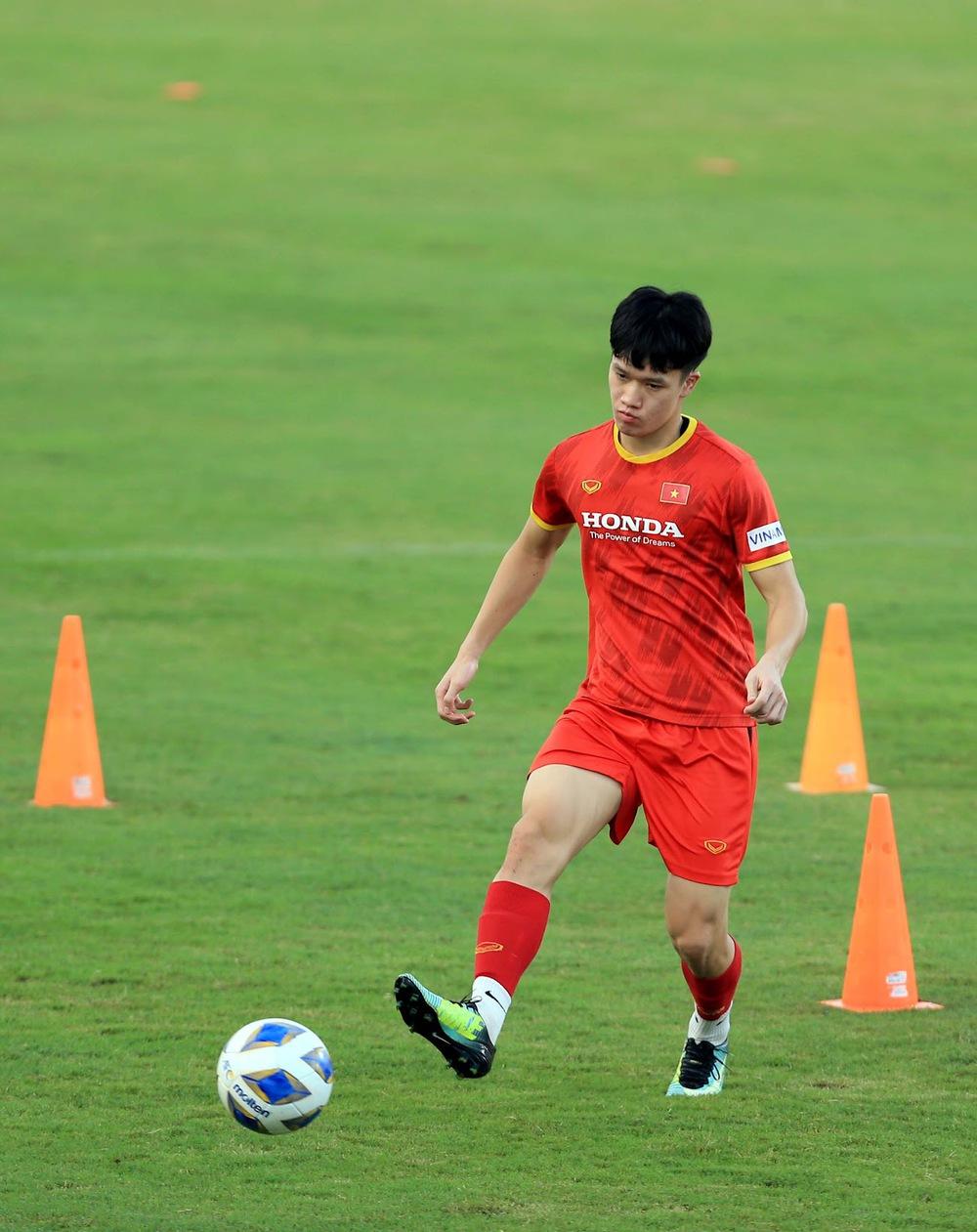Thêm một cầu thủ U22 được bổ sung lên đội tuyển Việt Nam cho chiến dịch Vòng loại World Cup 2022 - Ảnh 17.