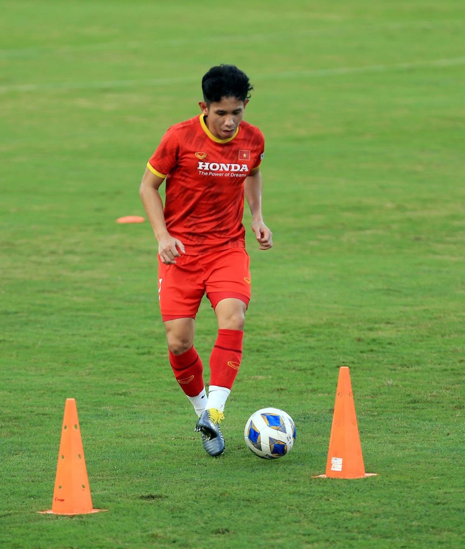 Thêm một cầu thủ U22 được bổ sung lên đội tuyển Việt Nam cho chiến dịch Vòng loại World Cup 2022 - Ảnh 19.