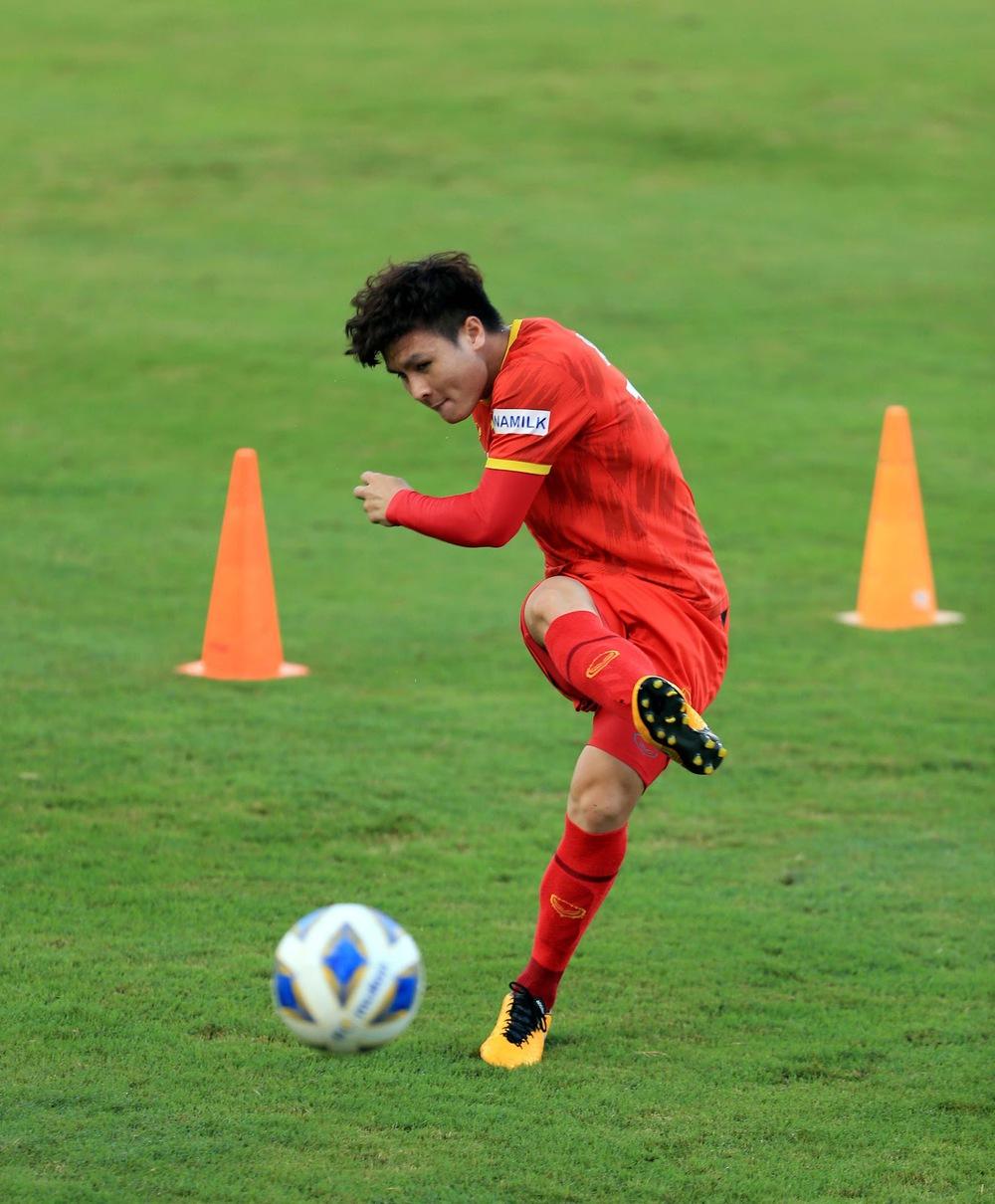 Thêm một cầu thủ U22 được bổ sung lên đội tuyển Việt Nam cho chiến dịch Vòng loại World Cup 2022 - Ảnh 20.