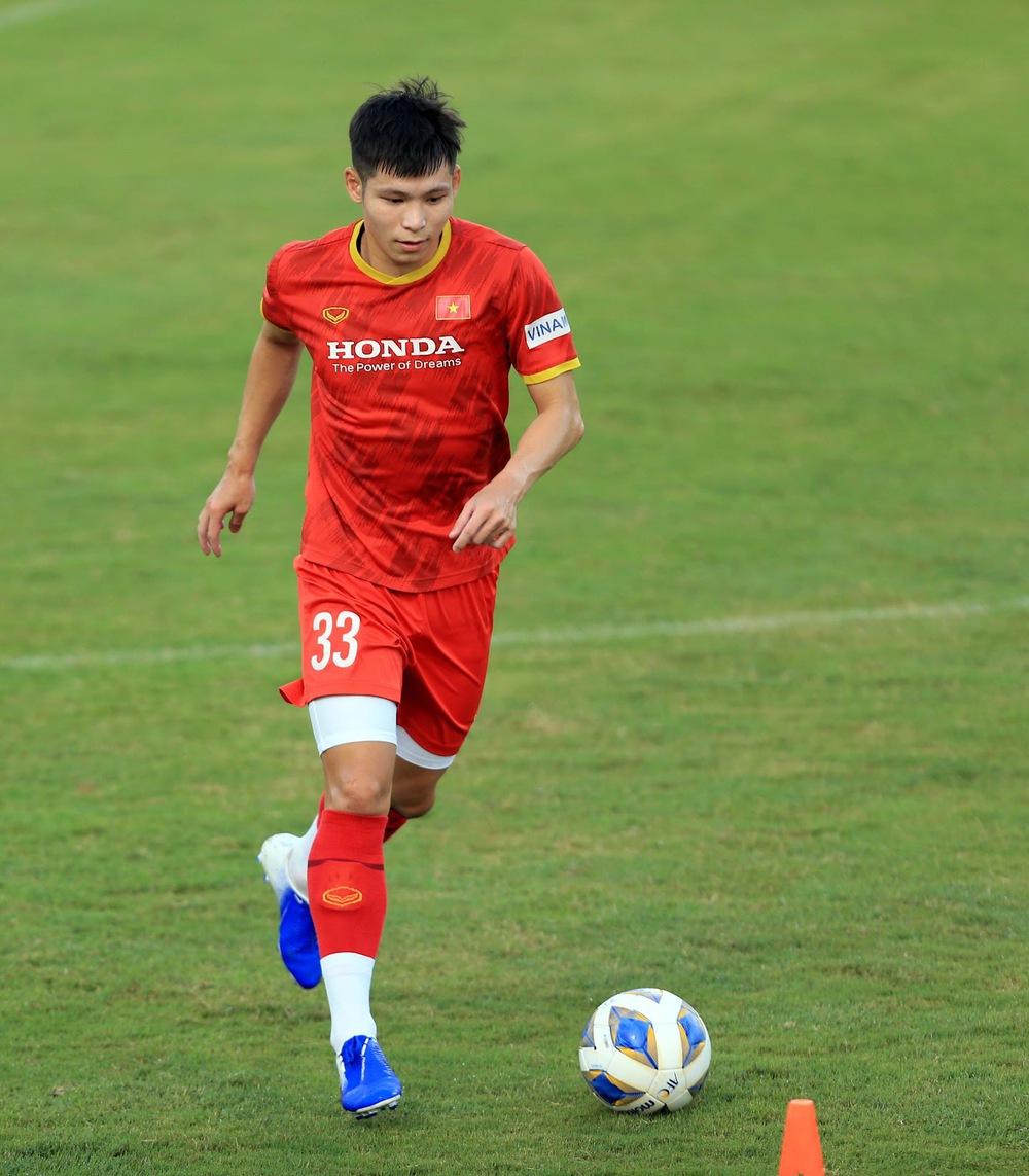 Thêm một cầu thủ U22 được bổ sung lên đội tuyển Việt Nam cho chiến dịch Vòng loại World Cup 2022 - Ảnh 4.