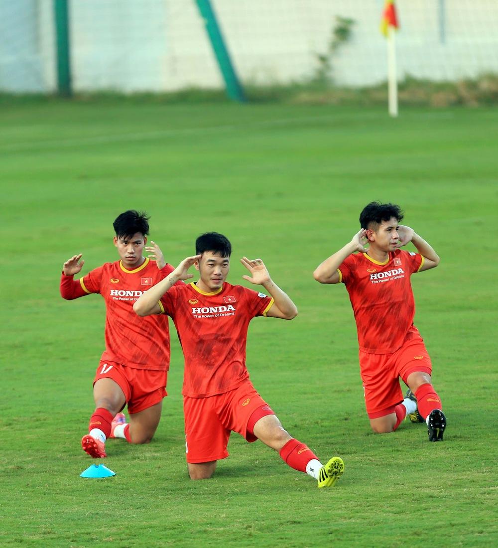 Thêm một cầu thủ U22 được bổ sung lên đội tuyển Việt Nam cho chiến dịch Vòng loại World Cup 2022 - Ảnh 8.