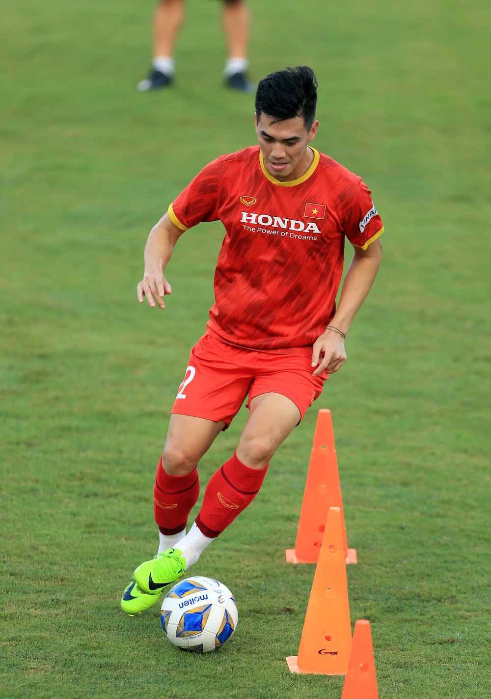 Thêm một cầu thủ U22 được bổ sung lên đội tuyển Việt Nam cho chiến dịch Vòng loại World Cup 2022 - Ảnh 10.