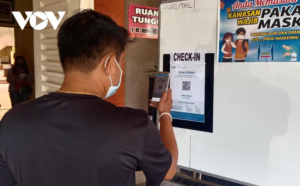 Vì sao số ca mắc Covid-19 ở Indonesia đột ngột giảm hơn 94%, thấp nhất trong 1 năm qua?