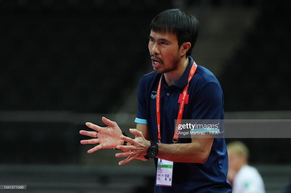 NÓNG: HLV tuyển futsal Việt Nam không may dương tính với Covid-19 - Ảnh 1.