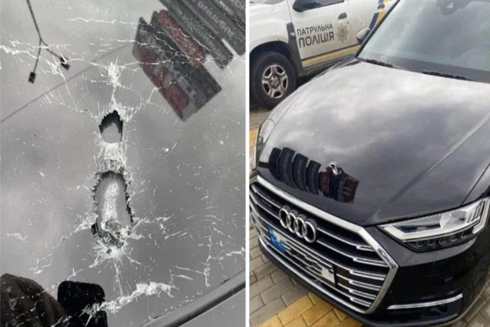 NÓNG: Phụ tá Tổng thống Ukraine bị tấn công ám sát - 10 phát đạn liên tiếp găm vào xe - Ảnh 1.
