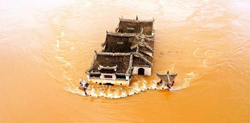 Ngôi chùa đứng vững giữa dòng sông dài nhất Trung Quốc, bất chấp đại hồng thủy suốt 700 năm: Bí mật gì bên dưới mặt nước? - Ảnh 3.