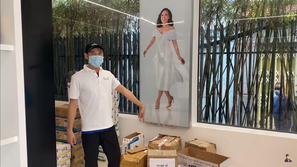 Việt Hương lo làm từ thiện, giờ để cửa hàng vắng hoe, xác xơ như thế này - Ảnh 3.