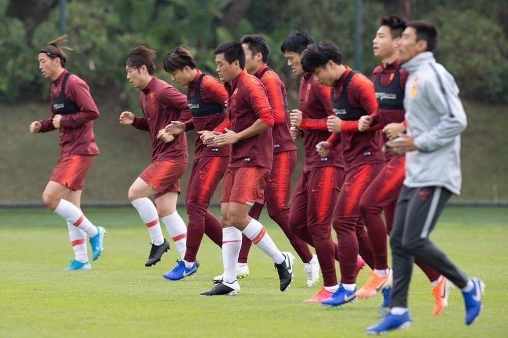 Thi đấu tệ hại ở La Liga, ngôi sao Trung Quốc bị đặt dấu chấm hỏi trước ngày đấu Việt Nam - Ảnh 3.