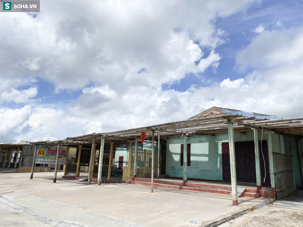 Xóa sổ toàn bộ hơn 100 ki ốt dọc bãi biển Quất Lâm, khu vực từng nhức nhối với nạn mại dâm - Ảnh 6.